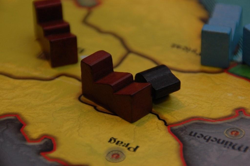 C'est reparti comme en 1870 : le Kaiser envahit ses voisins. Cette fois-ci, il jette son dévolu sur l'Autriche-Hongrie.