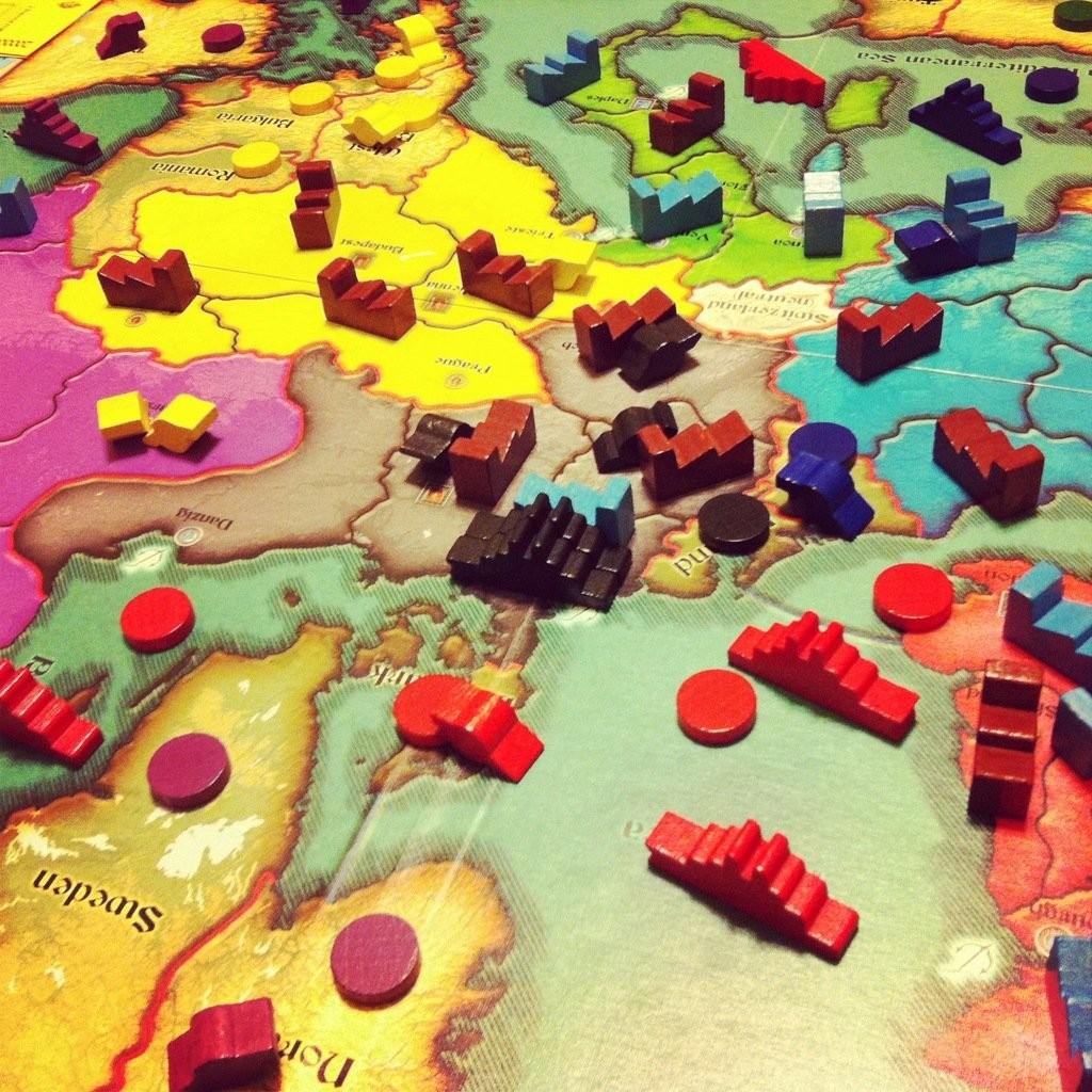Tous les territoires marqués d'un jetons ronds sont taxés et permettent à la nation qui les contrôle de gagner de l'argent et de la puissance.